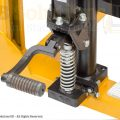 manual forklift-stacker detail