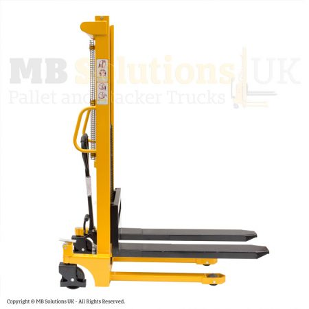 manual forklift-stacker